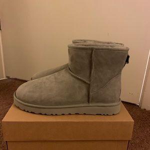 NIB UGG Men Classic Mini Boots